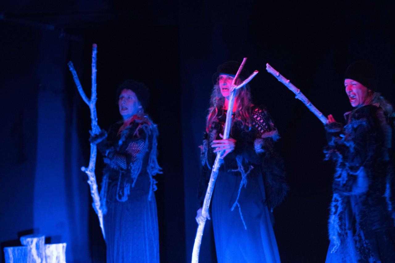 Der erste Auftritt der Hexen