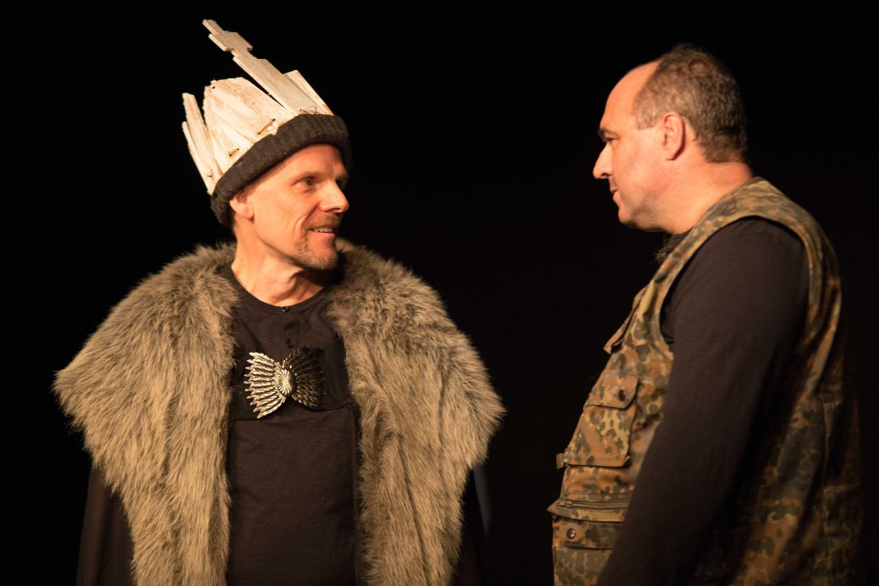 Dunkan dankt Macbeth für seine Dienste