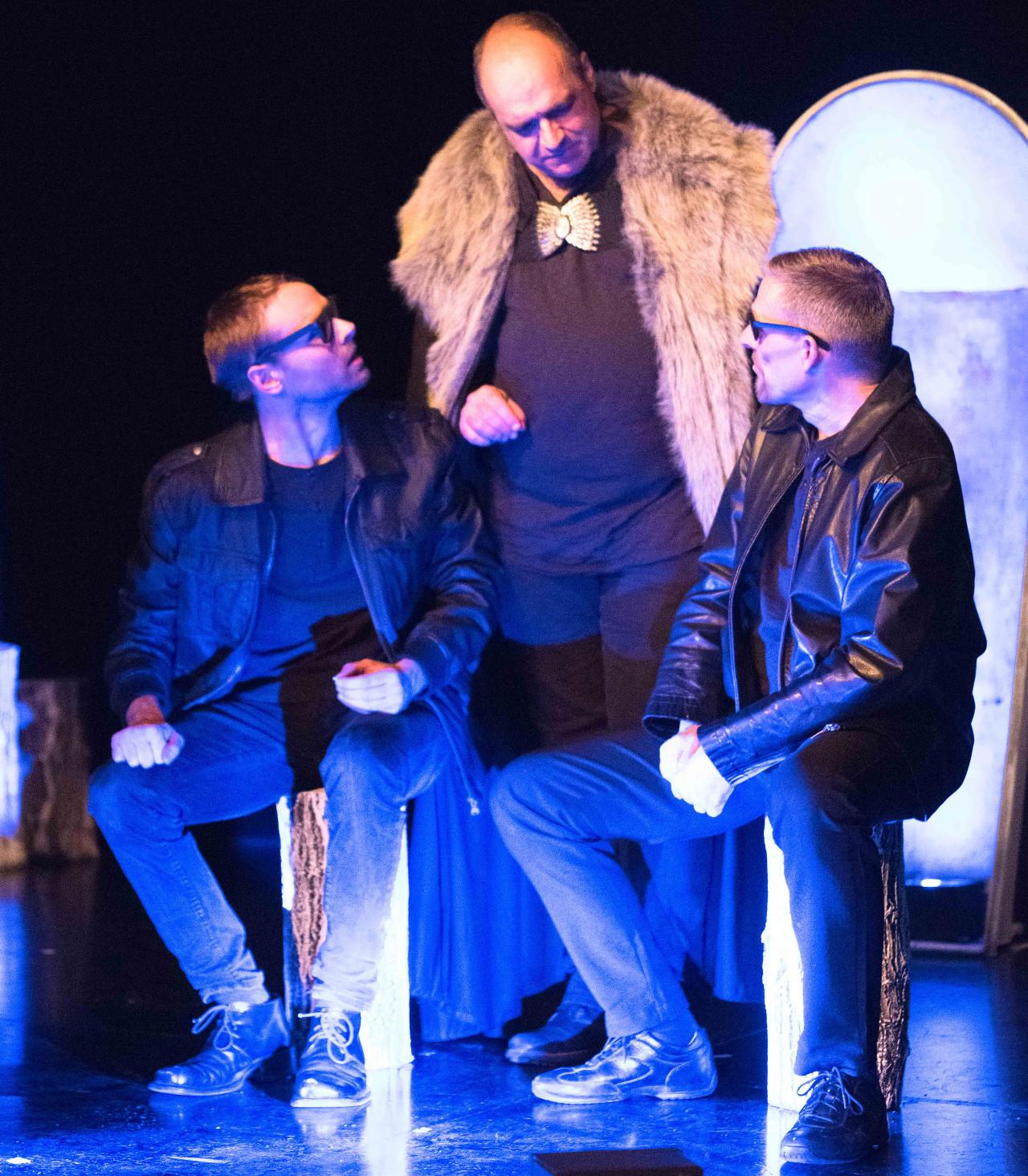 Macbeth beauftragt zwei Mörder, Banquo umzubringen